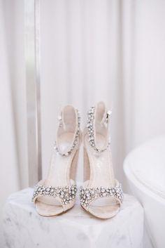 whimsical-black-white-palm-springs-wedding-avalon-hotel-22-600x899
