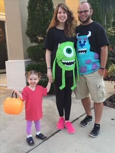 9 months pregnant costume Monsters Inc Funny Pregnant Halloween Costumes, Childrens Halloween Costumes, Pregnancy Costumes, First Halloween, Family Costumes, Family Halloween, Diy Costumes, Adult Costumes, Halloween 2018