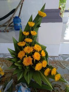 Easter Flower Arrangements, Creative Flower Arrangements, Tropical Floral Arrangements, Funeral Flower Arrangements, Beautiful Flower Arrangements, Beautiful Flowers, Altar Flowers, Home Flowers, Church Flowers