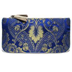 Bolso fallera @ con detalles florales, realizados en tela de seda azul, oro y cuero. fallera bag with floral pattern. #bag #clutch #bolso http://fallera.com/es/bolsos/bc00701-detail