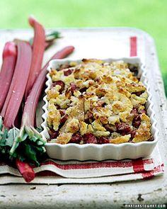De appel-rabarber-crumble van Martha Stewart. Super recept, maar best niét de caloriën tellen... :)