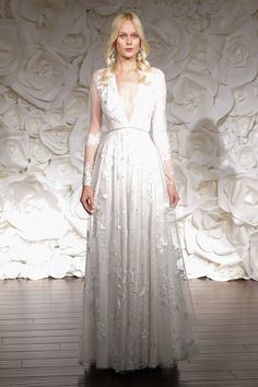 Pin for Later: 100+ Must-See Wedding Dresses From Bridal Fashion Week Autumn 2015 Naeem Khan Bridal Autumn 2015