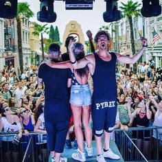 ANDREA DAMANTE #new #collection #pyrex #pyrexstyle #springsummer16 #andreadamante #wearingpyrex #shorts #nothingbetter #streetstyle #music #party #house #dj #djset #movielandmusicfestival