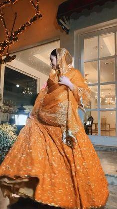 Party Wear Indian Dresses, Desi Wedding Dresses, Indian Bridal Outfits, Indian Bridal Fashion, Indian Fashion Dresses, Stylish Dress Designs, Stylish Dresses For Girls, Indian Dresses Traditional, Asian Wedding Dress Pakistani