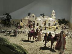 Cosenza Nativity House, Diy Nativity, Christmas Nativity Scene, Christmas Holidays, Christmas Crafts, Christmas Stage Design, Church Christmas Decorations, Christmas Program, Backdrops