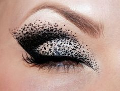 Black and white speckled eyeshadow! Awesome technique.