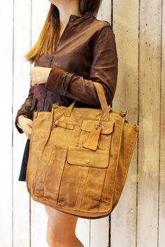 SECCHIELLO MULTI TASC2 -Handmade Italian Brown Leather Messenger Bag di LaSellerieLimited su Etsy