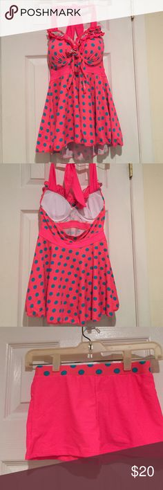 Hot pink bathing suit 2 pieces. Never worn. Label says large, but there medium. Built in bra. Very sexy on! Ignore the size chart below Swim