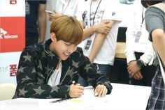 [Picture] BTS at SK Telecom X BTS fansigning event Part II [160605]