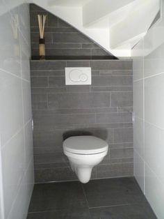 Onder de trap ook een idee toilet idee n pinterest toiletten - Deco wc zwart ...