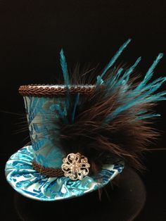 Turquoise en chocolade Mini cilinderhoed voor door daisyleedesign