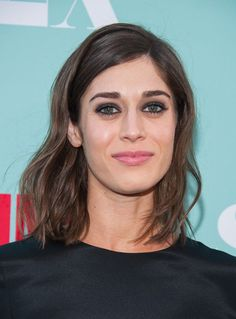 This Is Why Janis Ian aka Lizzy Caplan Needs To Do More Red Carpets