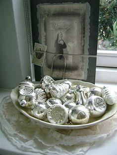 ☆ White Christmas Wonderland ☆   bowl of ornaments