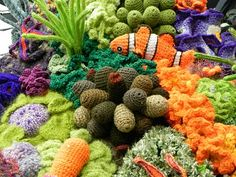 STYLE WILDERNESS: Crochet your own coral reef I so love the Crocheted Coral Reefs... <3