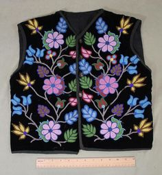 Authentic Antique Early 20thC Ojibwa American Indian Beaded Black Velvet Vest NR