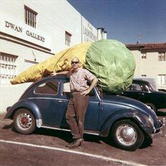 Claes Oldenburg, Floor Cone (1962), Dwan Gallery, Los Angeles, 1963.