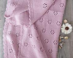 Copertina Fiocco di Neve rosa cipria fatta a mano ai ferri - lana ed alpaca per un filato di lusso - idea regalo per nascita