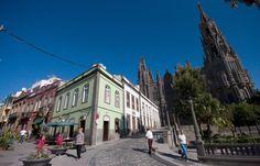 La Ciudad de Las Flores Arucas Arucas es un municipio perteneciente a la provincia de Las Palmas (España). Se halla al norte de Gran Canaria, una de las Islas Canarias. Destaca dentro de su patrimo…