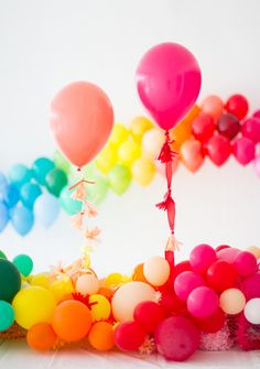 These rainbow party ideas will give you a head start on planning your next rainbow birthday or baby shower. Make DIY rainbow favors, treats, and more. Rainbow Parties, Rainbow Birthday Party, Baby Birthday, Birthday Parties, Baby Shower Balloons, Baby Shower Parties, Baby Showers, Bridal Showers, Kid Parties
