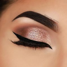 24 Sexy Eye Makeup Looks Give Your Eyes Some Serious Pop - Gorgeous eye makeup artelette toasted palette & Rainforest of the Sea foil fingers palette #eyemakeup #makeup #sexyeyes #eyeshadow