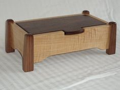 Curly Maple Jewelry Box - Curly maple and walnut jewelry box - Small Wooden Boxes, Wooden Jewelry Boxes, Jewellery Boxes, Small Boxes, Wood Boxes, Woodworking Jewellery Box, Woodworking Box, Woodworking Projects, Wooden Keepsake Box