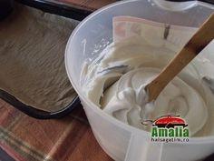 Prajitura cu mac si crema de vanilie - Hai să gătim cu Amalia Homemade Cakes, Icing, Mac, Desserts, Tailgate Desserts, Deserts, Postres, Dessert, Homemade Desserts