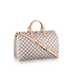 Descubra el Louis Vuitton Speedy 35  El modelo Speedy es un diseño icónico de Louis Vuitton. Sus formas sencillas y su lona Damier Azur atraen inmediatamente a la mujer con un gusto por la moda. El bolso perfecto para la ciudad.