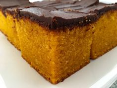 Cake nature fast and easy - Clean Eating Snacks Chocolate Carrot Cake, Chocolate Frosting, Salty Cake, My Dessert, Cake Mold, Savoury Cake, Homemade Cakes, Clean Eating Snacks, Cupcake Cakes
