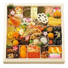 Osetchi for New Year 不動の人気を誇る金沢の味。郷土が育んだ洗練をお届けします。【金茶寮】おせち料理 一段重
