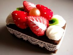 inspiration only...felt chocolate cake...pretty!  from Kawaii~neh!