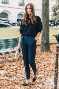 38 comfortable work outfit inspiration outlook inspiración d Outfits Dress, Outfits Mujer, Trouser Outfits, Mode Outfits, Office Outfits, Fashion Outfits, Womens Fashion, Blue Trousers Outfit, Hijab Outfit