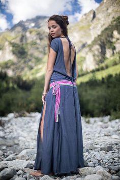 Длиное стильное платье с перцем