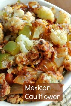 Mexican Cauliflower Casserole Vegan Roasted cauliflower recipe with Mexican flavors is a healthy side dish or light lunch Mexican Side Dishes, Vegan Side Dishes, Vegetable Side Dishes, Side Dish Recipes, Food Dishes, Vegetable Recipes, Veggie Side, Mexican Cauliflower Recipe, Spicy Cauliflower