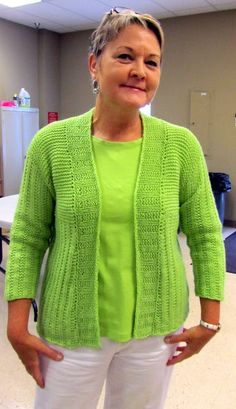 Fibermania: free knitting patterns Love everything about this sweater....who's going to teach me????