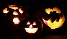 """""""A grandmother pretends she doesn't know who you are on Halloween."""" Erma Bombeck"""