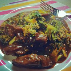 Slow Cooker Mongolian Beef & Broccoli! Hubby's FAVORITE meal, & my favorite because it's so easy. Way healthier than Chinese take-out and CHEAP! Entire meal less than $5. Whoa.