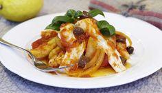 En gryte er enkelt å lage, og med gode råvarer er det enkel luksus. Prøv denne oppskriften med skrei, potet, løk, hvitløk og tomat neste gang! #fisk #oppskrift