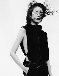 730efb5806f B (love the contrast between her hair and structured top) Editorial Fashion