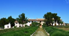Rental of luxury holiday house, hotel rooms and B&B rooms located in an unique village named Benali, Enguera, in the mountainous region of Valencia.