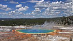 20 イエローストーン国立公園(米国) 写真=WYOMING OFFICE OF TOURISM ▼15Jun2013CNN 写真特集:一度は行きたい世界遺産20選 http://www.cnn.co.jp/photo/35032669.html #Yellowstone_National_Park #Grand_Prismatic_Spring