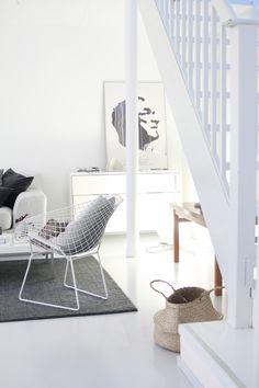 valkoinen, white, olohuone, bertoia, diamond chair, living room, valolista - muotoseikka\