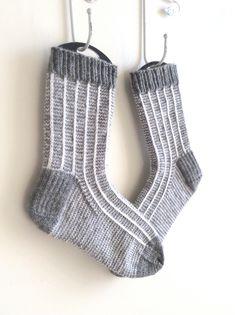 Hearty Man Plaid Socks
