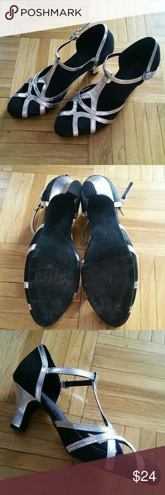 Girl Latin Ballroom Salsa Tango Dance Shoes sz 4 Absolutely breathtaking dance shoes for a young girl that loves classic Ballroom dancing. Soft sole, fabric sole, 2 inch sturdy heel. Worn exactly twice by my 10 year old daughter before she decided to choose ballet over Latin. They were approved by our dance instructor as perfect shoes for a beginner. Can also shine as a dress shoe! TDA Shoes