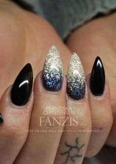 Stiletto nails are so cool! Stiletto Nails, Coffin Nails, Acrylic Nails, Super Nails, Nagel Gel, Almond Nails, Blue Nails, Black Ombre Nails, Trendy Nails