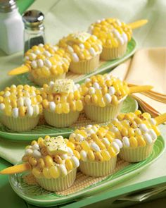 Corn on the Cob Cupcakes. These look super cool and would be perfect for Concordia Cobbers!