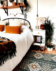 What are the Secrets of the Bohemian (Boho) Style? 4 ways to blow bohemian style at home …, … – Bedroom Inspirations Boho Bedroom Decor, Room Ideas Bedroom, Home Bedroom, Bedrooms, Ikea Bedroom, Tribal Bedroom, Bedroom Furniture, Bedroom Designs, Modern Bedroom