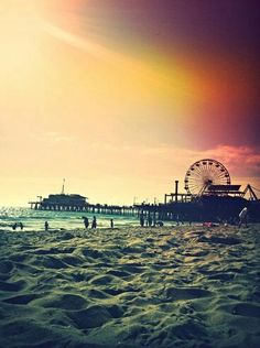 United States, California - Santa Monica This was my beach of choice in High School San Diego, San Francisco, Santa Monica Beach, Santa Barbara, Places To Travel, Places To See, Beautiful World, Beautiful Places, Amazing Places