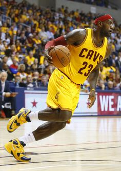 #SoleWatch: King James Wears 'Cavs' Nike LeBron 13 In Return to the Court