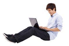 Image result for laptop kết nối wi-fi có thể khiến nam giới vô sinh