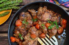 Soczysty kurczak z grilla lub z patelni - niebo na talerzu